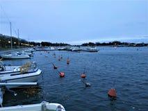 Bateaux dans le club de yacht de Merisataman entre l'Eira et l'Ullanlinna à Helsinki photographie stock