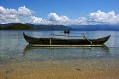 Bateaux dans le cordon du Madagascar image libre de droits