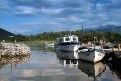 Bateaux dans le dock Image stock