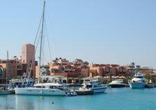 Bateaux dans le port à côté du marché de pêche, Hurghada, Egypte Images libres de droits