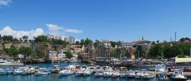 Bateaux dans le port d'Antalya, en Turquie Photos libres de droits