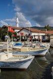 Bateaux dans le port de Kekove Image libre de droits