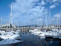 Bateaux dans le port de Vigo, Galicie Images stock