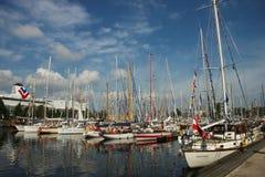 Bateaux dans le port, le 28 juillet 2013 à Riga, Lettonie Image libre de droits