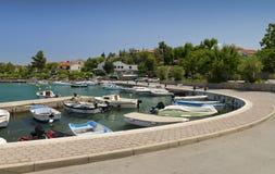 Bateaux dans le port maritime photos libres de droits