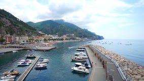 Bateaux de côte d'Amalfi banque de vidéos