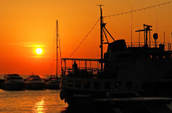 Bateaux de coucher du soleil Image stock