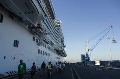 Bateaux de croisière dans le port de Civitavecchia Photographie stock libre de droits