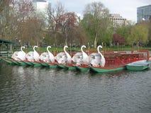 Bateaux de cygne, jardin public de Boston, Boston, le Massachusetts, Etats-Unis Images libres de droits