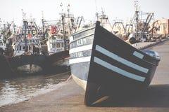 Bateaux de Fiishing dans Essaouira, Maroc, Afrique Photos stock