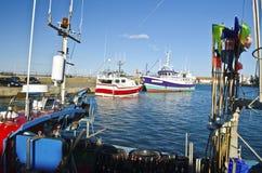Bateaux de Fisher dans le port de Joinville en île de Yeu Images libres de droits