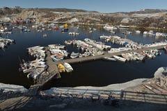 Bateaux de Fishermans sur l'océan arctique dans la marine d'Ilulissat, Groenland Mai 2016 Images libres de droits
