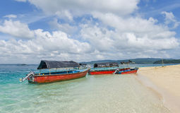 Bateaux de fond en verre à l'île bouy gaie, Inde Photographie stock
