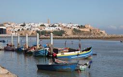 Bateaux de pêche à Rabat, Maroc Image libre de droits