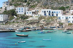 Bateaux de pêche au port Photos libres de droits
