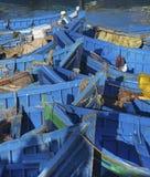 Bateaux de pêche bleus Images libres de droits