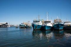 Bateaux de pêche dans Fremantle Photo libre de droits