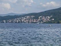 Bateaux de pêche dans la baie de Kotor Image libre de droits