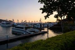 Bateaux de pêche dans la marina Images libres de droits