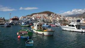 Bateaux de pêche dans la visibilité directe Cristianos, Ténérife Photographie stock libre de droits