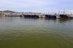 Bateaux de pêche dans le pilier de wuyu Photos libres de droits