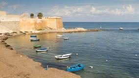 Bateaux de pêche dans le port de Trapani Photographie stock