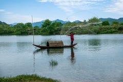 Bateaux de pêche de Jiangxi Wuyuan Moon Bay Photographie stock