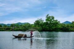 Bateaux de pêche de Jiangxi Wuyuan Moon Bay Photo libre de droits