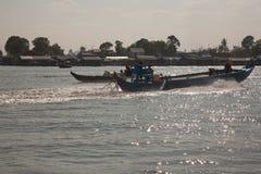 Bateaux de pêche de lac Image libre de droits