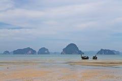 Bateaux de pêche en Thaïlande Photographie stock libre de droits