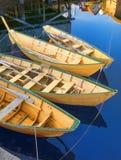 Bateaux de pêche jaunes traditionnels de la Nouvelle-Écosse Photo stock