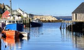 Bateaux de pêche, la crique de Peggy, la Nouvelle-Écosse Image libre de droits