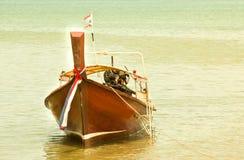 Bateaux de pêche locaux. Images libres de droits
