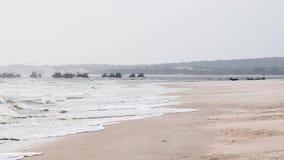 Bateaux de pêche. Plage long Hai, Vietnam Images stock