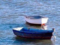 Bateaux de pêche sur la plage Photographie stock