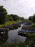 Bateaux de pêche sur un lac en Irlande Photo libre de droits