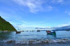 Bateaux de pêche thaïlandais Photographie stock libre de droits