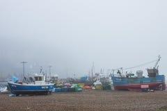 Bateaux de pêcheurs sur le rivage photographie stock libre de droits