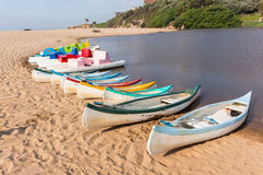 Bateaux de palette de lagune de plage Image stock