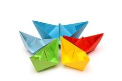 Bateaux de papier coloré, origami Photo stock