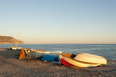 Bateaux de pêche au coucher du soleil Photos libres de droits