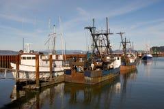 Bateaux de pêche, bassin est d'amarrage Photos libres de droits