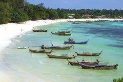 Bateaux de poissons sur l'île de Lipe Image libre de droits