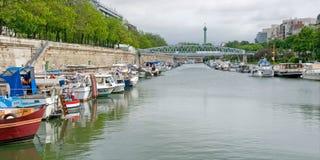 Bateaux de rivière sur le canal de rue Marin Image libre de droits