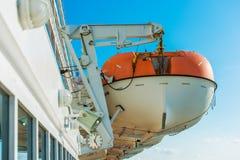 Bateaux de sauvetage sur un bateau de croisière Photos stock