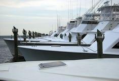 Bateaux de sport de pêche d'eau de mer Image stock