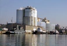 Bateaux de traction subite au port d'Oswego Photographie stock libre de droits