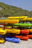 Bateaux empilés sur la plage Photographie stock libre de droits