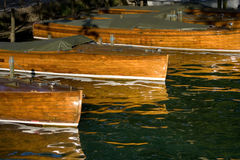 Bateaux en bois accouplés Image stock