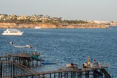 Bateaux en mer bateau de vitesse en Mer Rouge Photographie stock